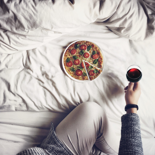 thank u all for likes and support ❤️ #FreeToEdit #remixed #redwine #pizza
